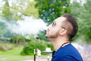 E-Shisha E Zigarette ab 18 Jahren neues Gesetz